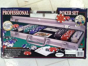 Brand New - Poker Set 300 piece with professional aluminum