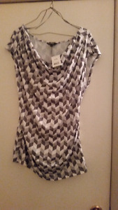 Brand new grey and white scoopneck top size LG