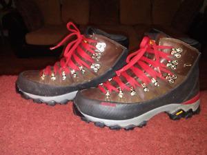 Dunham size 8.5 work boots