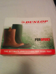 Dunlop Rubber Boots (Brand New size 10)