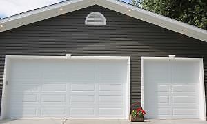 Garage door 16x7, 9x7
