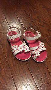 Girls sandals size 10.5.