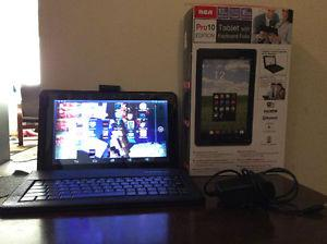 """RCA10""""TOUCH SCREEN TABLET WITH TABLET CHARGER AND KEY BOARD"""