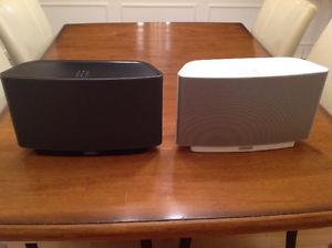 SONOS PLAY 5 one white & one black, perfect condition