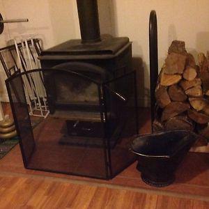 Wood rack, ash bucket and fireplace screen