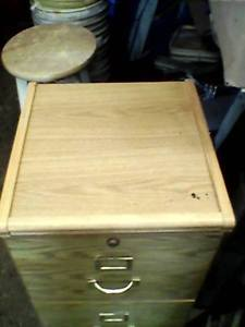 2 Drawer File Cabinet FOR SALE