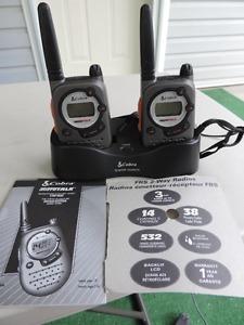 2 way radio walkie-talkie set by Cobra