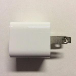 Apple 5W USB Power Adapter for iPod touch, iPhones, and more