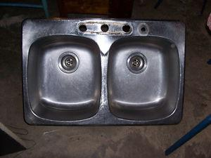 Double Stainless Steel Sink 31 by 20 and 7 Inches Deep
