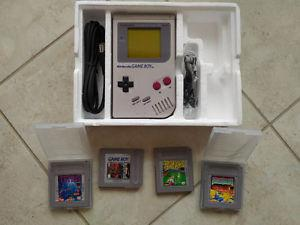 GAME BOY AND 4 GAMES