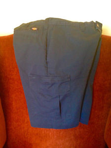 Men's work shorts, navy, size 34, EMT style pockets, Fall