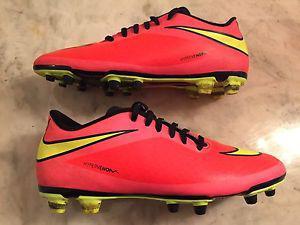 Nike Soccer Hypervenom Soccer Cleats