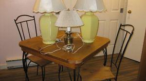 Table, 4 chairs and two lamp combo