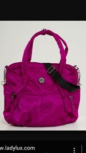 Wanted: Iso Lululemon Triumph Tote