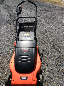 BLACK DECKER ELECTRIC MOWER WITH BAG GREAT SHAPE