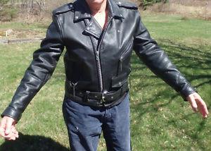 LADIES LEATHER MOTORCYCLE JACKET (OR SMALL MAN)