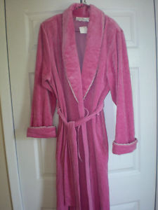 Ladies Long Housecoat - New with tags - Medium