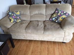 Matching sofa, loveseat & 2 storage ottomans