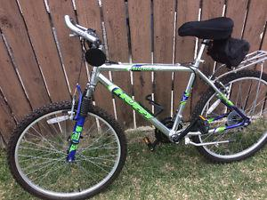 New Huffy 21 speed mountain bike, (26 Inch tires)