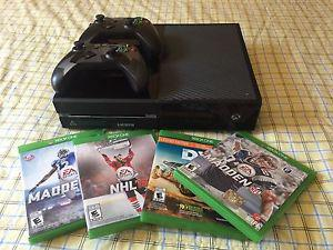 Xbox one + two controllers + four games