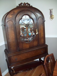 Antique walnut/mahogany DR hutch,English,+100 yrs old