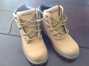 Boys Sketchers work boots size 5