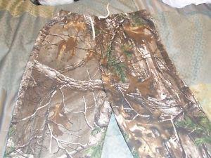 Brand new - Camo real tree pants