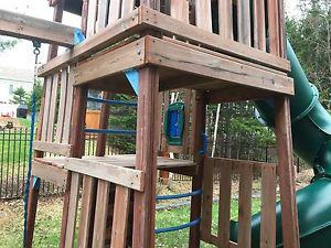 Children's 3 story play set for sale! Good condition!