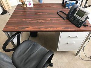 Desk for Sale Great Condition High Quality