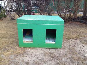 Free Double Dog House