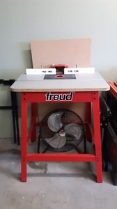 Freud router table and stand