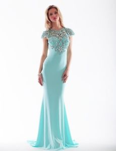 Over 200 Prom & Destination Dresses 50% off! Sizes 0 to 22