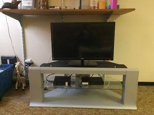 Stylish tv stand for $10