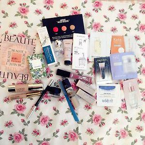 Deluxe sample bag including full size items