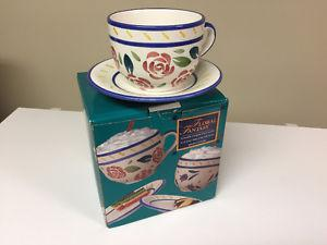 SET OF 2 FLORAL FANTASY CAFE CUPS & SAUCERS (Brand New in