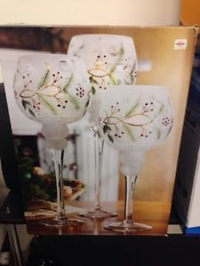 Set of 3 candleholders, new.