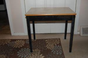 Work table & desk with height adjustable steel legs & frame