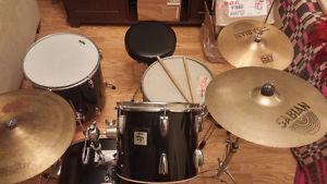 7-Piece Drum Kit w/ Stool