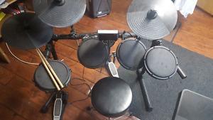 Electronic Drum(Alesis DM6)