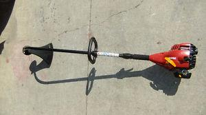 Homelite Gas Powered 26cc Curved Shaft Trimmer $ @he