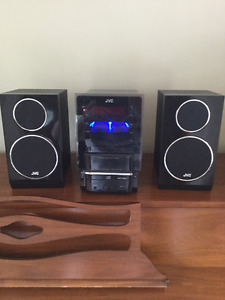 JVC Stereo System w/ speakers