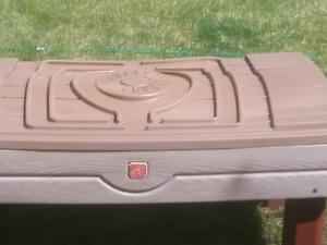 Kids sandbox / picnic table
