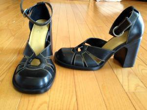 New Ladies Black Leather Shoes for sale