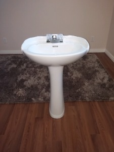 Pedestal Sink - Brand New with New Taps!