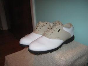 Women's Golf Shoes (size 7.5)
