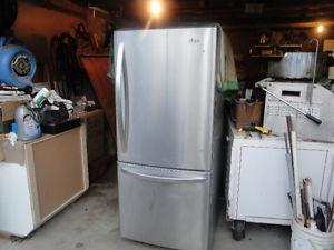 stainless steel lg fridge used 3 month