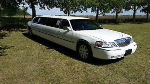 2 LIMOUSINES FOR HIRE FOR YOUR SPECIAL EVENT / NIGHT OUT!