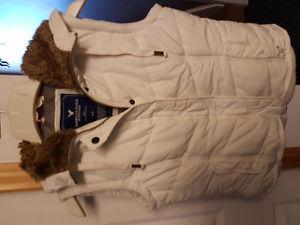 American Eagle white vest