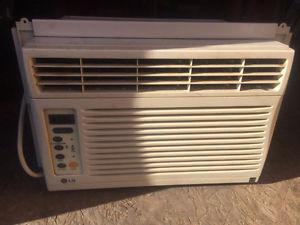 BTU Window Air Conditioner Works Great Comes with