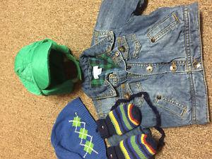 Boys 0-6 mth lined jean jacket 2 new Gap hats and Tommy